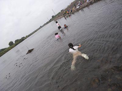 ガサガサして、泳いで、釣って_c0091679_1613664.jpg