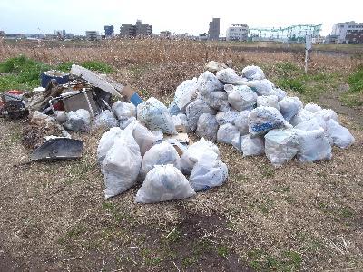 多摩川でゴミひろい_c0091679_16454711.jpg